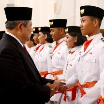 Remaja Pembentang Sang Merah Putih di Istana Jadi Peternak Ayam