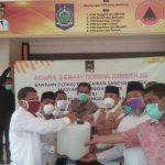 PKS Bantu Masyarakat NTB Dua Ton Sanitizer